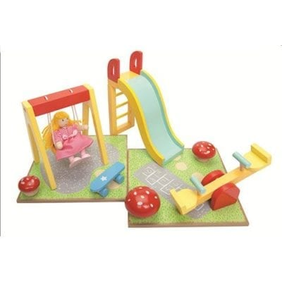 outdoor play set for Le Toy Van doll house